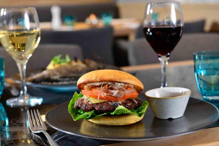 Almgrill Beef Burger Best Western Plus Hotel Erb Parsdorf-München