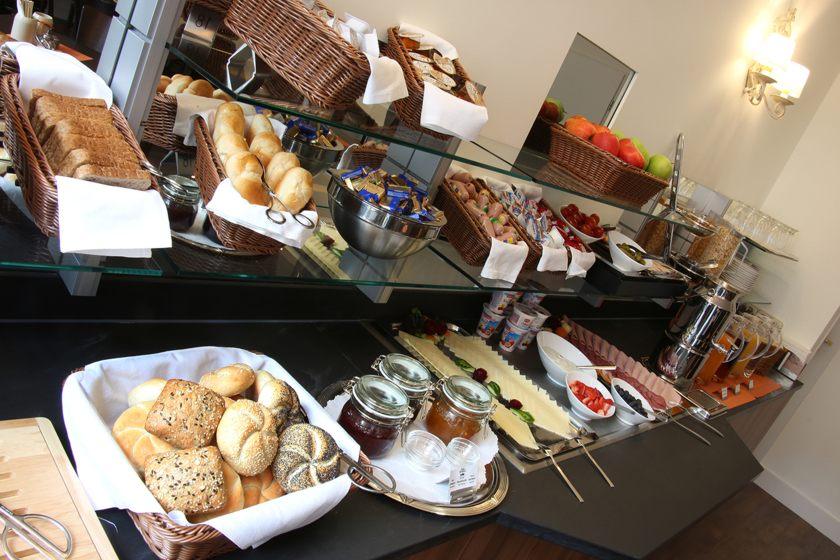 Kontinentales Frühstücksbuffet ANDI Stadthotel