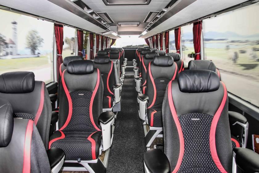 Tagesausflug VIP Bus innen