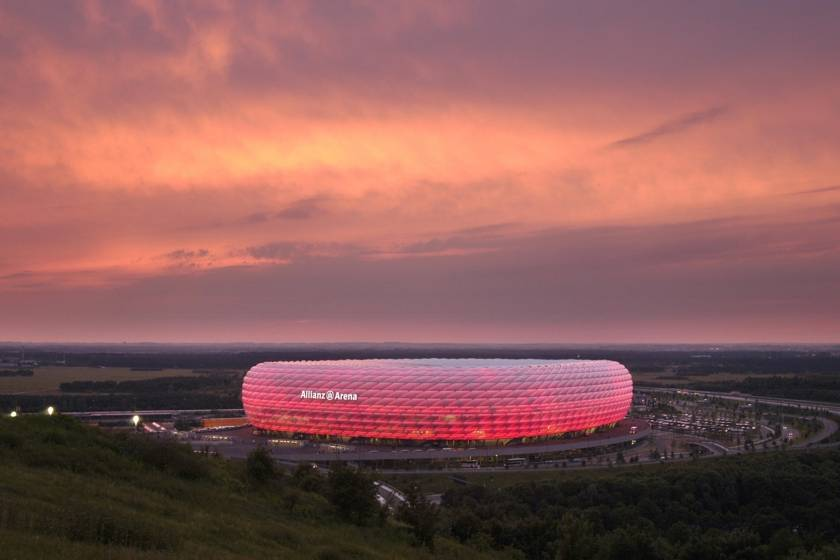 Allianz Arena am Abend 1067