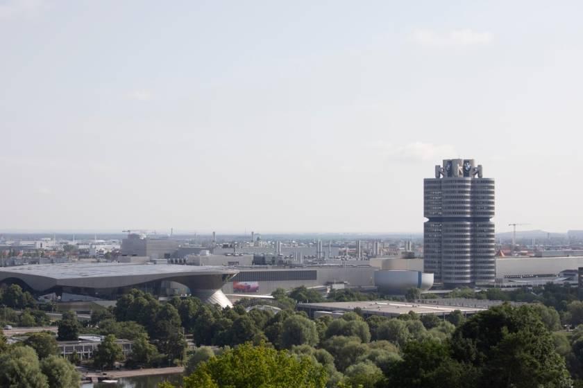Nordsüd-Passage-0268 BMW und Industriegebiet