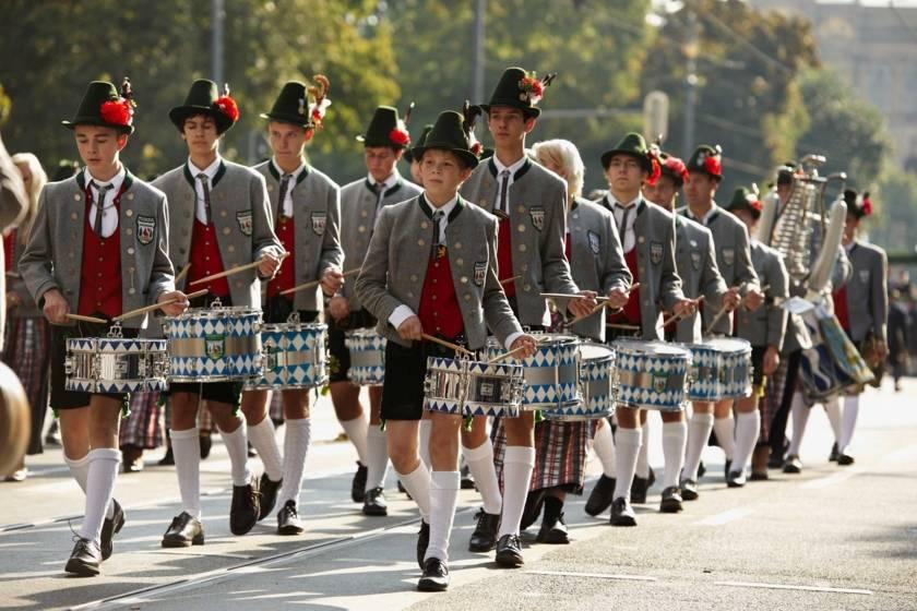 Oktoberfest Trommler beim Trachten- und Schützenumzug 1353