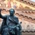 König Max I. Joseph vor dem Nationaltheater auf dem nach ihm benannten Platz
