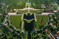 Die Schlossanlage Nymphenburg erstreckt sich über 220 Hektar. Das entspricht ungefähr der Größe von 320 Fußballfelder.