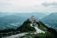 Eine Wanderung zum Kehlsteinhaus belohnt mit einem sagenhaften Rundumblick auf das Berchtesgadener Land und die Gegend um Salzburg!