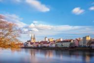 Blick vom Eisernen Steg auf die Regensburger Altstadt