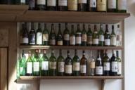 Vor oder nach einer langen Zugfahrt sollte man hier unbedingt auf ein Glas Wein und einen Teller Pasta vorbeischauen.