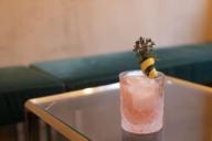 """Tolle Drinks gibt es in der Bar """"The High"""", wo Saskia Diez auch mal gerne alleine hingeht."""
