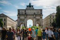Beim Streetlife Festival und anderen Straßenfesten gehört die Ludwigsstraße den Fußgänger*innen.