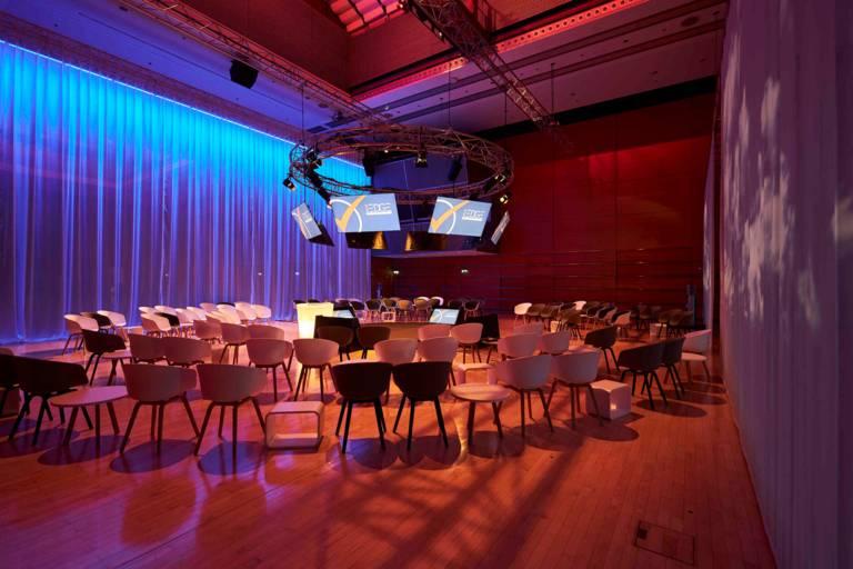 Saal des IAPCO Edge Semianar 2020 in München.