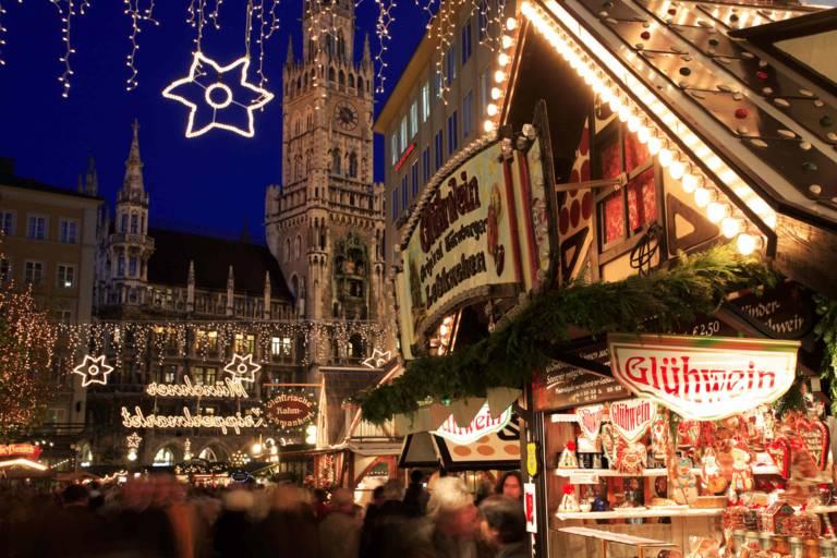 Der Christkindlmarkt am Marienplatz in München