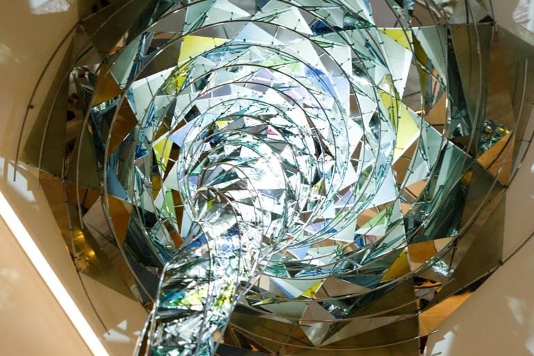 Das Kunstwerk Wirbelwerk von Ólafur Elíasson im Lenbachhaus in München