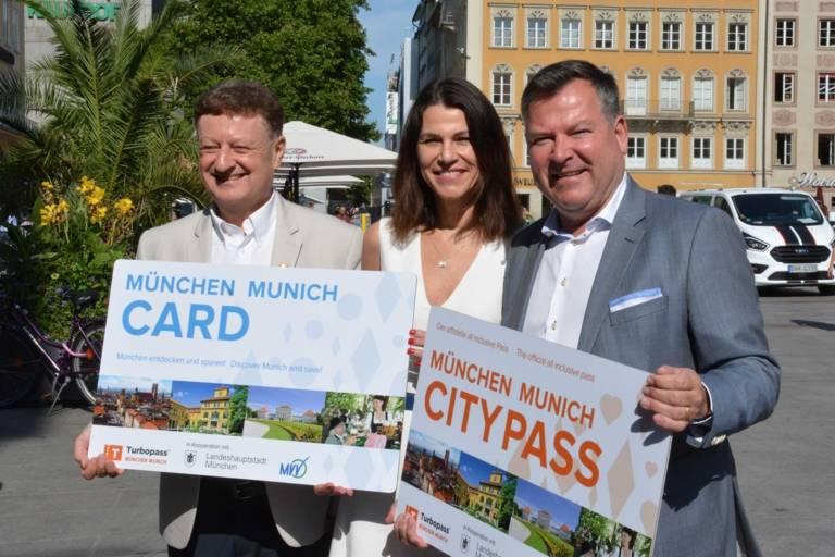 Prof. Wolfgang Heckl, Prof. Marion Kiechle, Bürgermeister Josef Schmid bei der Präsentation der neuen Gästekarten in München.