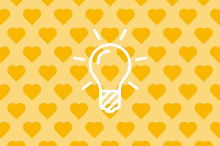 Glühbirne auf gelben Hintergrund