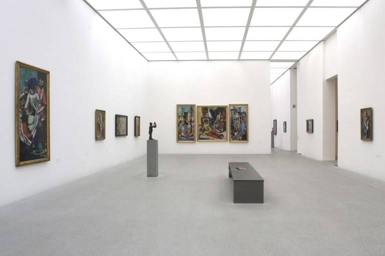 Blick in die Pinakothek der Moderne in München.